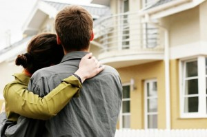 Our Debt Story: Does Buying a House Instead of Paying Student Loans Make Sense?