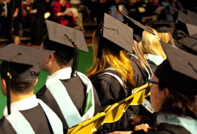 Investment Options for Recent College Graduates With a Job