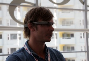Wearing Glass 'Gets Pretty Tiring Pretty Fast,' Google UX Designer Admits