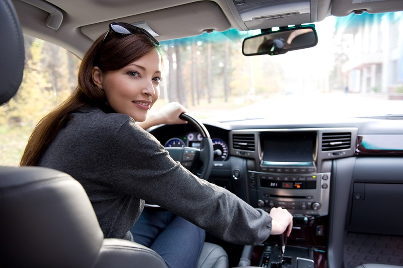 живут, полная женщина в машине объяснил что