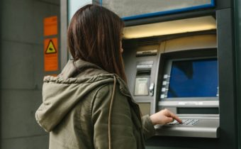 The Top Advantages of Banking Locally